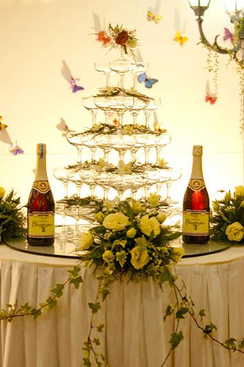 Wedding Cake & Champage
