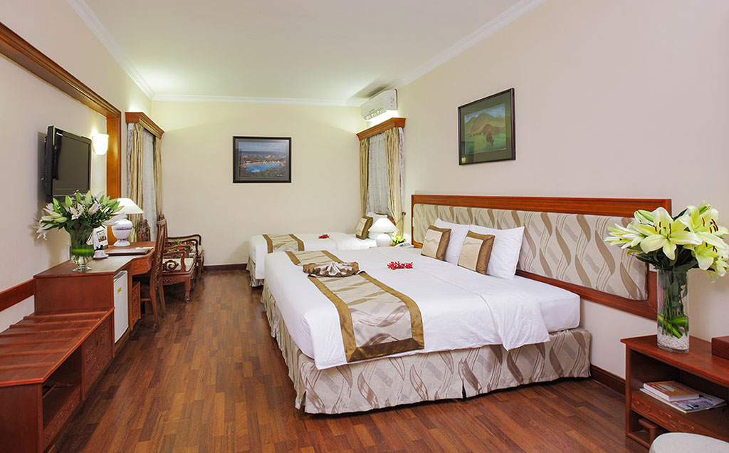 Rooms: Royal Hotel Saigon, Kimdo Hotel, The